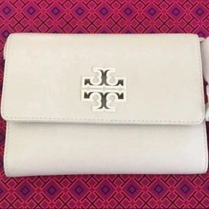 New authentic Tory Burch crossbody chain wallet